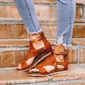 New Miz Mooz Tessa rust with saddle color leather